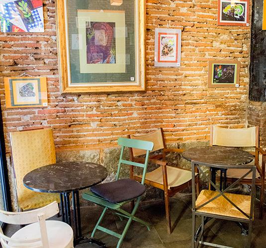 Mesas café. bares de copas en madrid